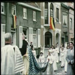 Filmpje: 'De processie gaat uit', Assenede