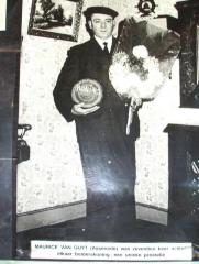 Koning krulbol, Maurice Van Guyt