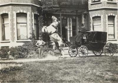 Koets voor Villa Oaklands, Eeklo 1898