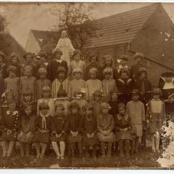 Klasfoto meisjesschool, ca.1919, Knesselare
