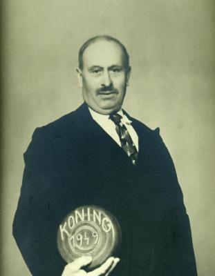 Koning krulbol, Arthur De Baets