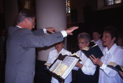 Het kerkkoor van Lembeke met koorleider Ghislain Bonne