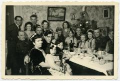 Eindejaarsfeest familie Hooft, Knesselare, ca. 1941