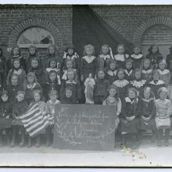 Klasfoto 9-jarige meisjes, Ursel, 1918-1919