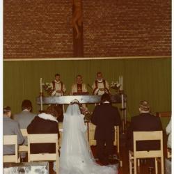 Huwelijksplechtigheid van Jean-Pierre Moens en Monique Van Herreweghe (I)