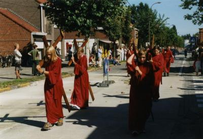 De Kruisweg in de processie van Rieme, 2003 (II)