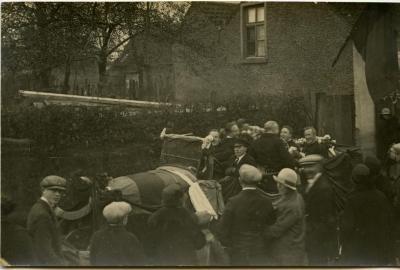 Inhuldigingsstoet voor pastoor Bouuaert, 1928 (XI)