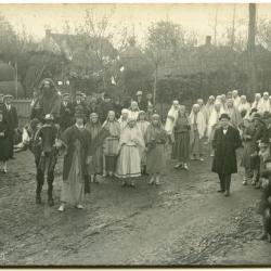 Inhuldigingsstoet voor pastoor Bouuaert, 1928 (V)